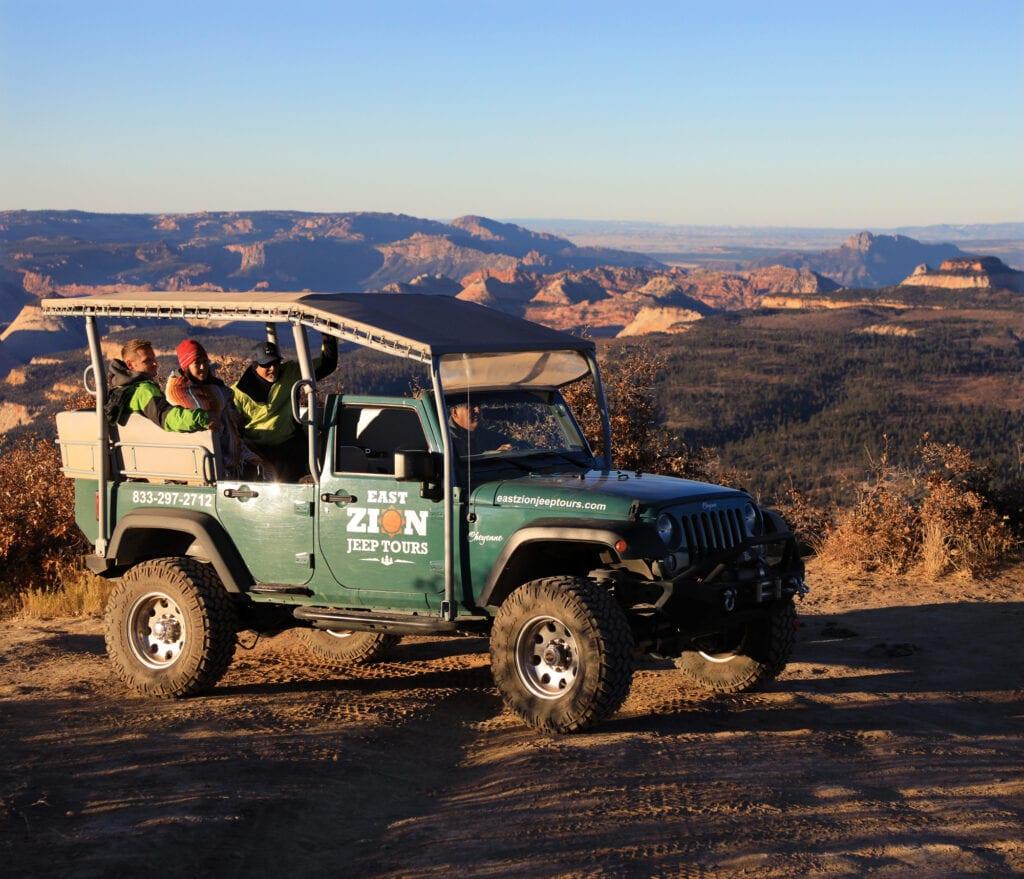 3 passengers in jeep overlook