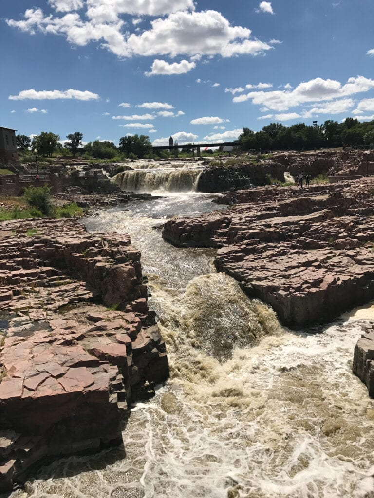 Falls park waterfalls sioux falls, sd