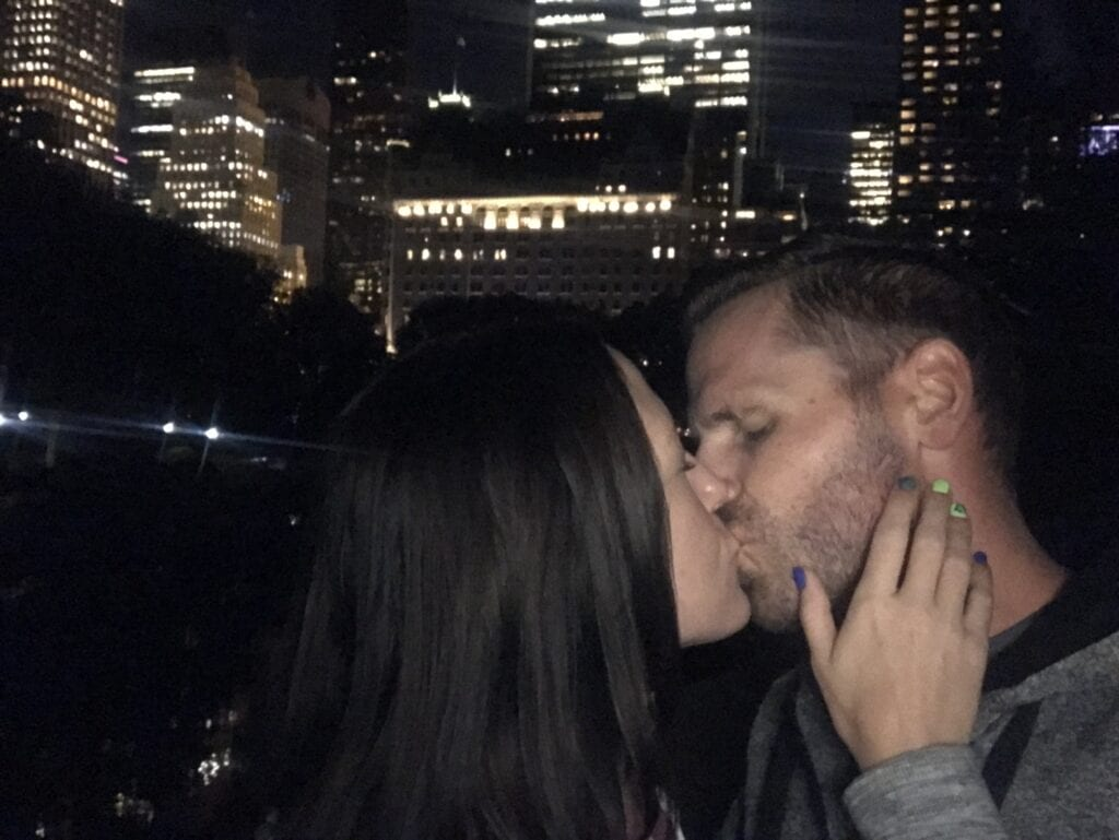 couple kissing central park at night in New York