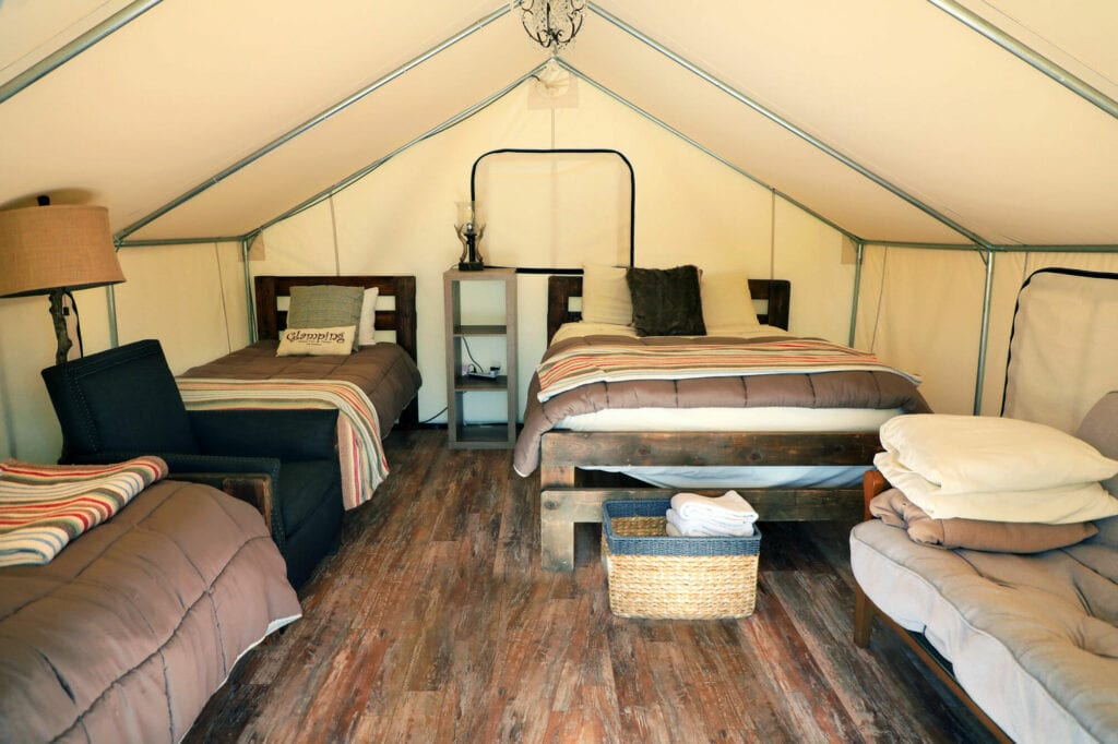 glamping interior tent2